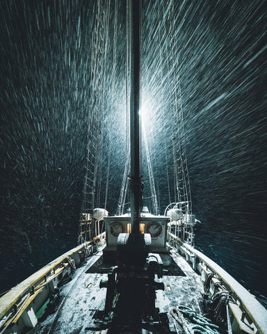 rough rides - Fineart photography by Leo Thomas
