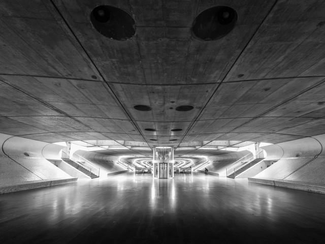 LISBON ORIENTE STATION - Fineart photography by Christian Janik