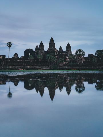 Angkor Wat during blue hour - Fineart photography by Ueli Frischknecht