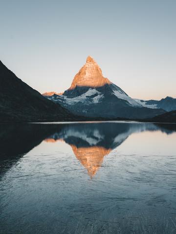 Sunrise at Matterhorn - Fineart photography by Ueli Frischknecht