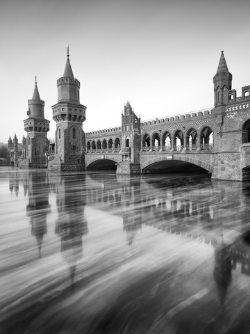 Oberbaum Bridge in winter - Fineart photography by Holger Nimtz