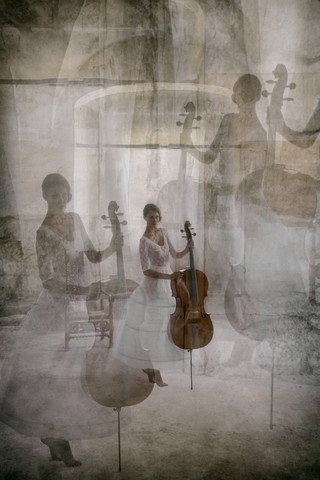 stage fright of the cellist - Fineart photography by Roswitha Schleicher-Schwarz