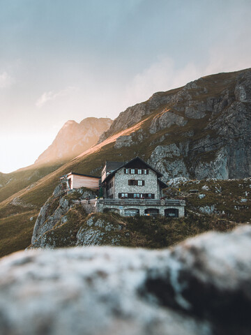 Mountain hut in the Tyrolean Alps in the evening light - Fineart photography by Lars Schmucker