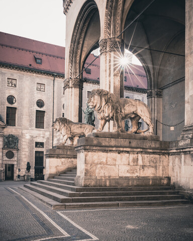 Guardiens of the Feldherrnhall - Fineart photography by Franz Sussbauer