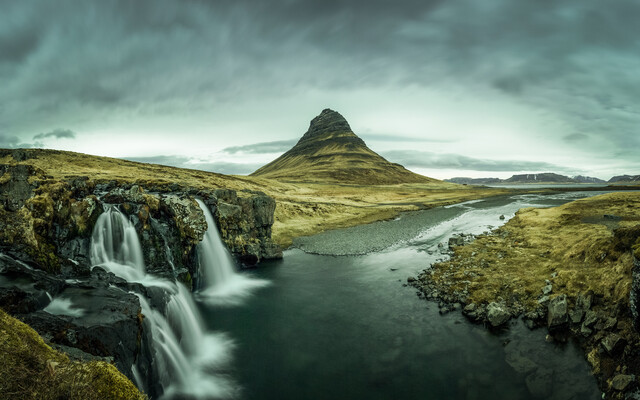 Kirkjufell with cloudy sky - Fineart photography by Franz Sussbauer