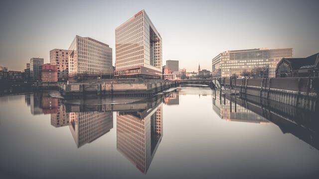 Sunrise Der Spiegel - Ericusspitze Hamburg - Fineart photography by Dennis Wehrmann