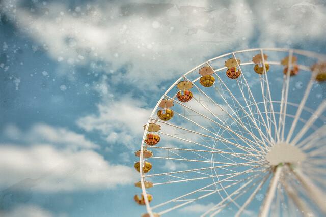 Wheel in the sky - Fineart photography by Andrea Hansen