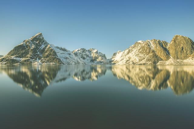 Lofoten Mountains - Fineart photography by Sebastian Worm