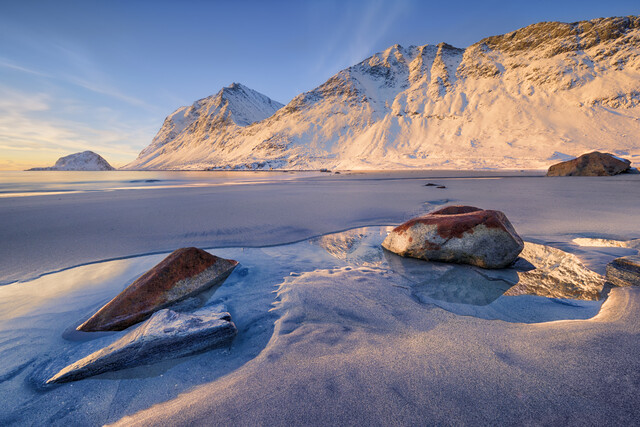 Haukland beach - Fineart photography by Rolf Schnepp