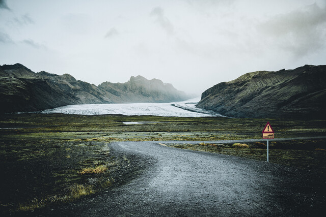 gravel road to Vatnajökull - Fineart photography by Franz Sussbauer