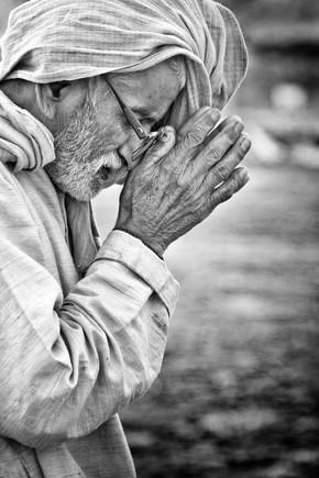 Victoria Knobloch, Prayer (India, Asia)
