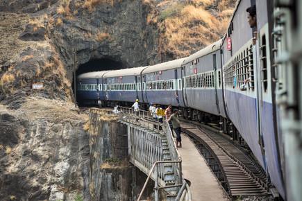 Soenke Schulze, On the train... (India, Asia)