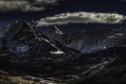 Regis Boileau, Iron forge & barren moon (Nepal, Asia)