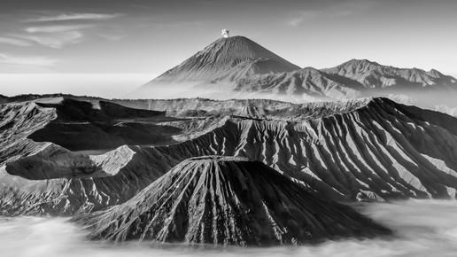 Philipp Weindich, Volcano Family (Indonesia, Asia)