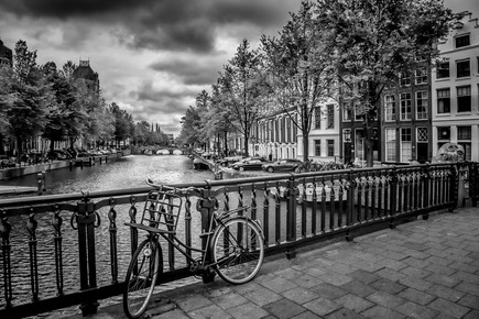 Melanie Viola, AMSTERDAM Emperor's Canal black and white (Netherlands, Europe)
