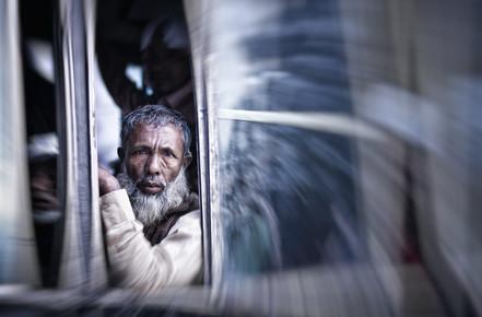 Victoria Knobloch, Man in bus (Bangladesh, Asia)