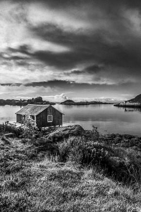 Christian Göran, Fishermans cabin B&W (Norway, Europe)