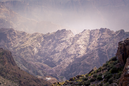 Eva Stadler, Vast and small - vast mountain and miniature farm (Oman, Asia)