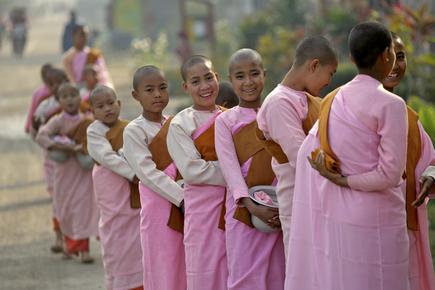 Walter Luttenberger, die morgenroutine (Myanmar, Asia)