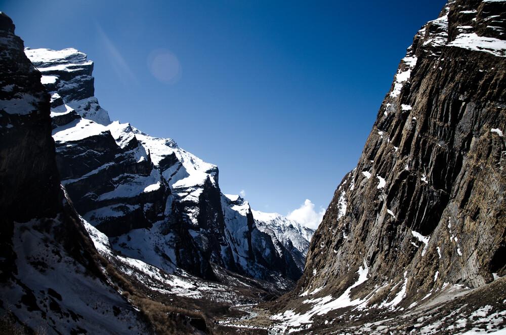 Himalaya - Valley - fotokunst von Marco Entchev