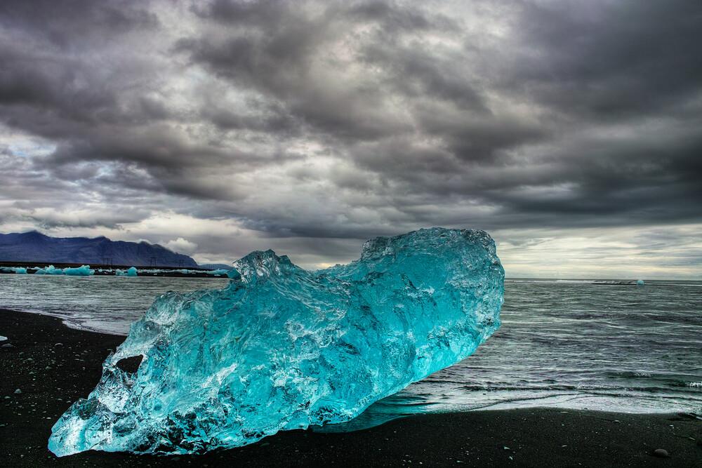 Jökulsarlon Beach - Fineart photography by Boris Buschardt