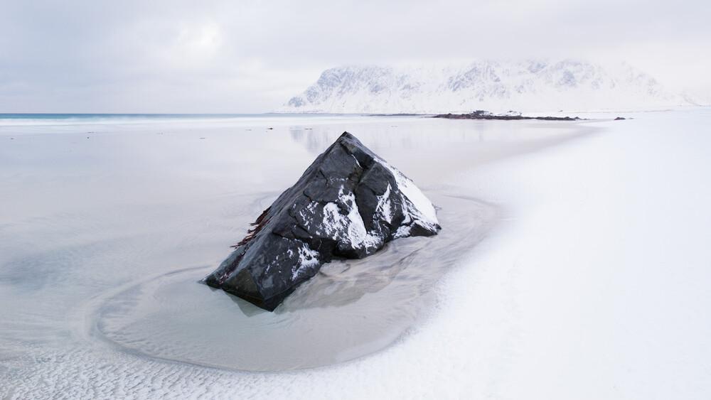 Flakstad Beach - Fineart photography by Boris Buschardt