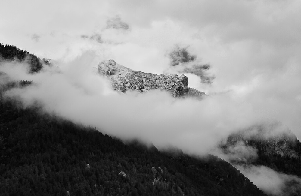 Wolkenberg - fotokunst von Michael Brandone