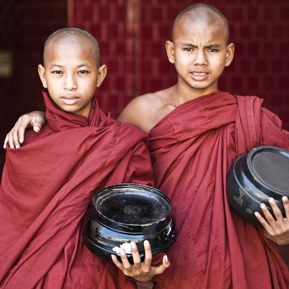 Monks - fotokunst von Manfred Koppensteiner