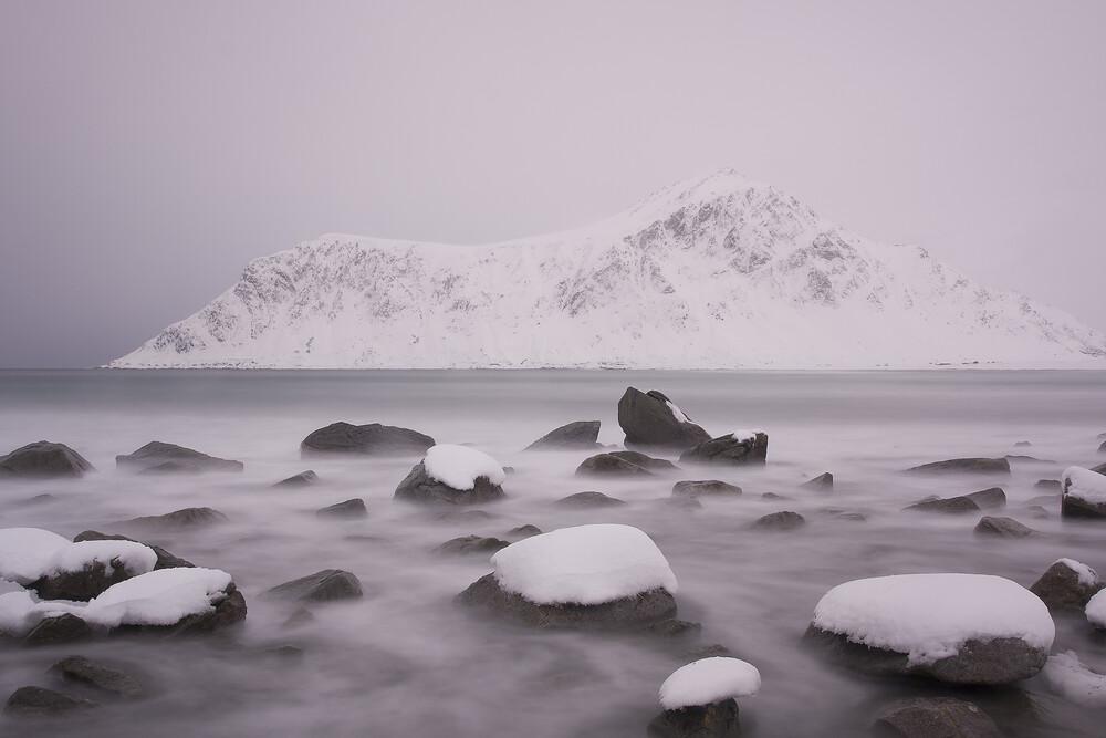 Winter an der Küste der Lofoten   Fotokunst von Stefan Blawath