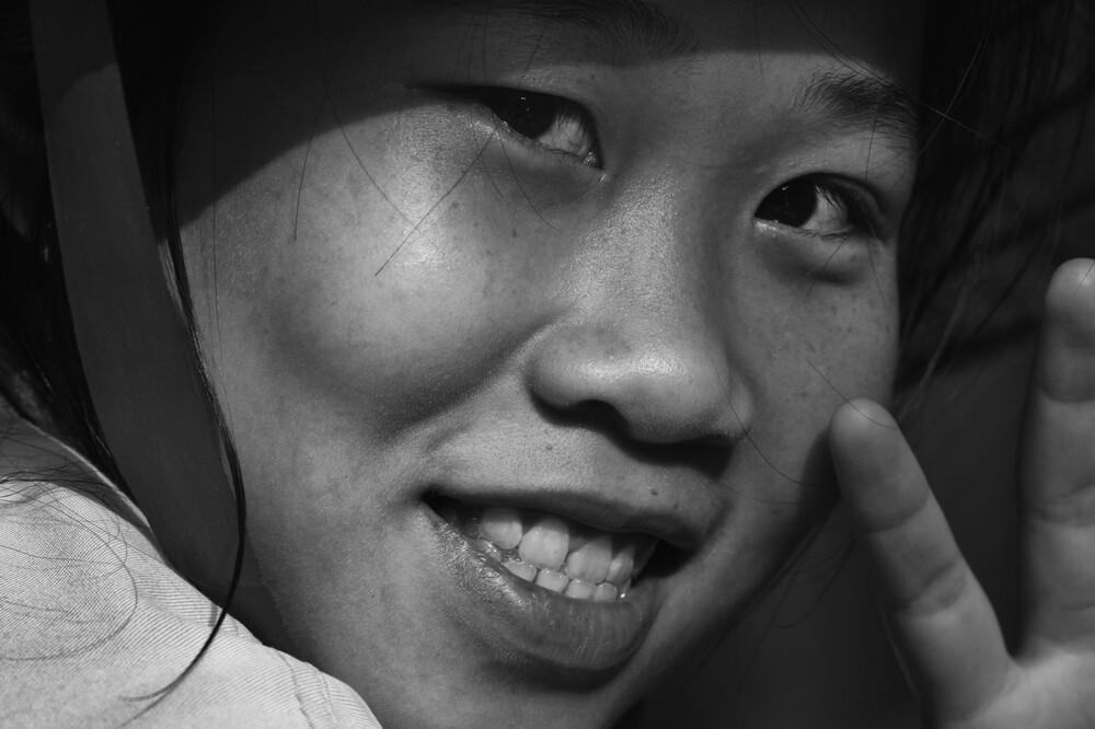 Girl from Mekong - fotokunst von Phyllis Bauer