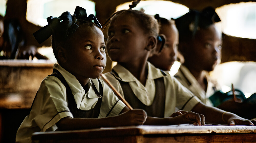 Schulkinder der OPEPB - fotokunst von Frank Domahs