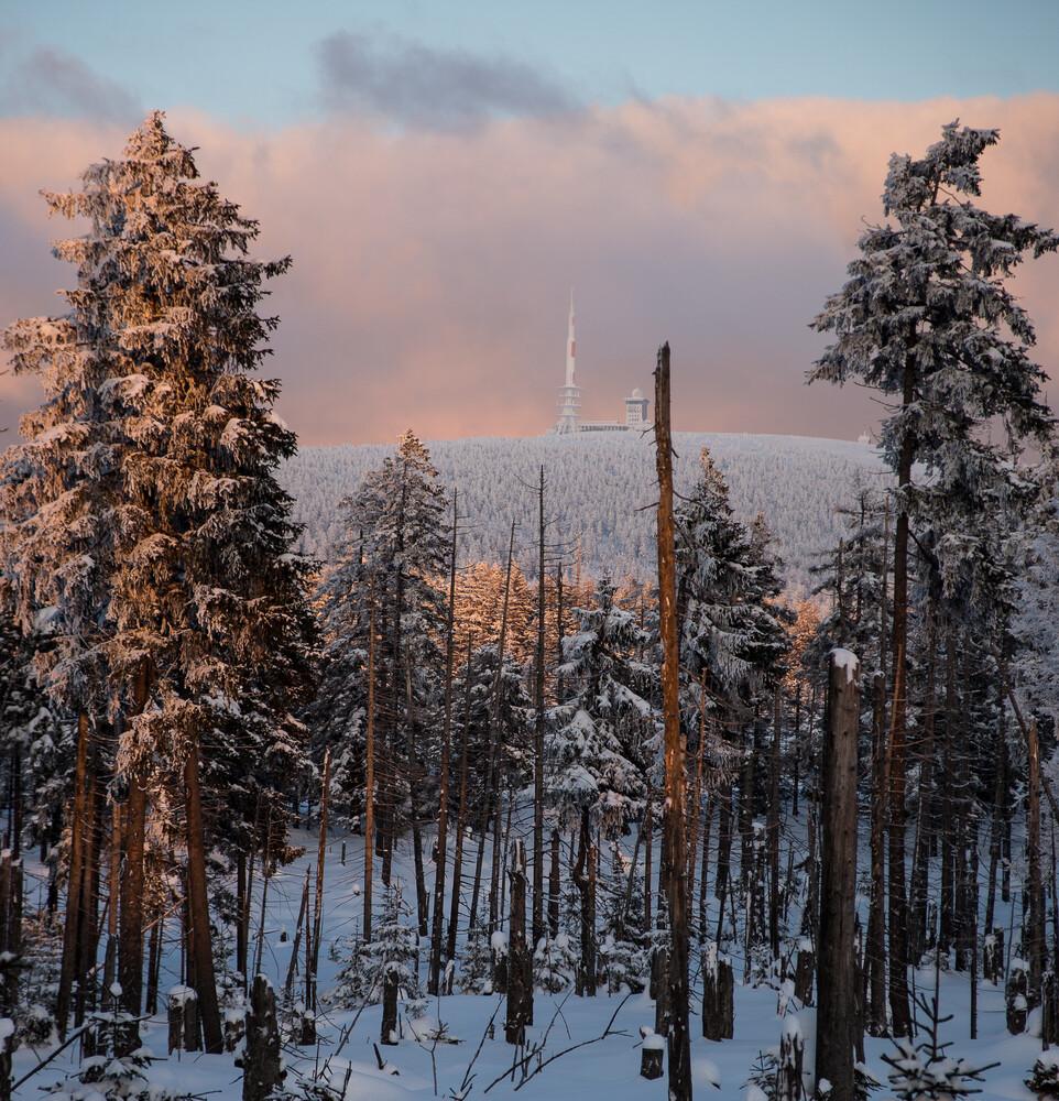 Brocken im Schnee - fotokunst von Mathias Becker