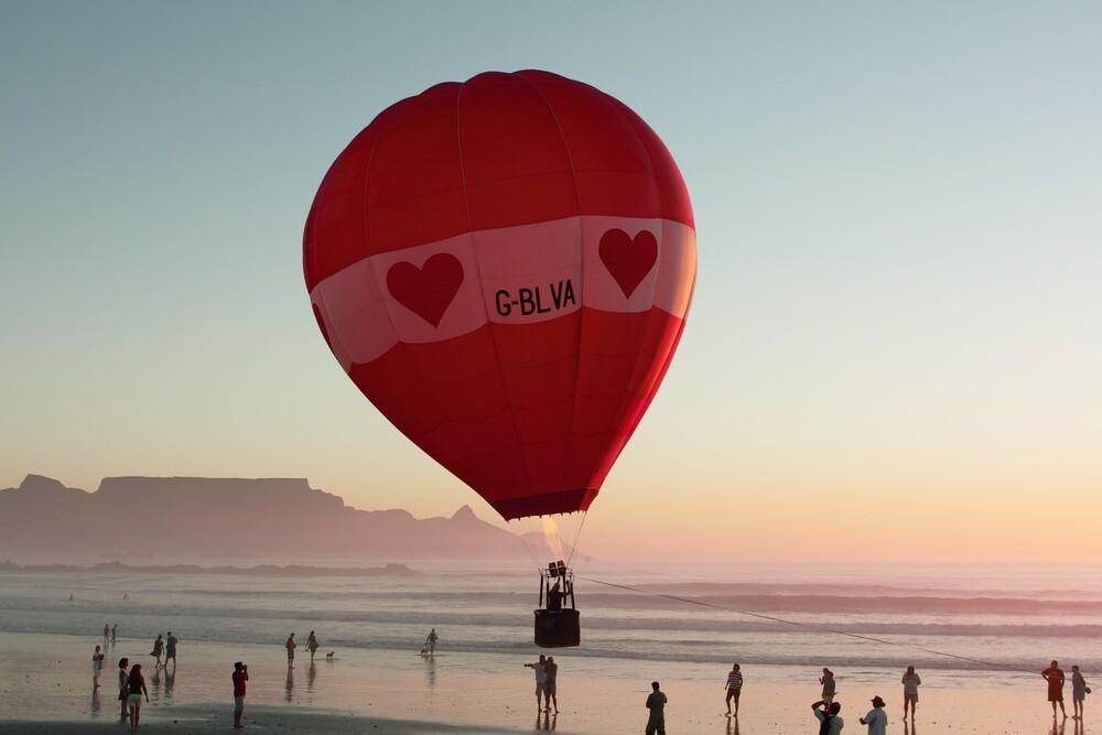 Ballonfahrt am Kap - fotokunst von Udo Behrends