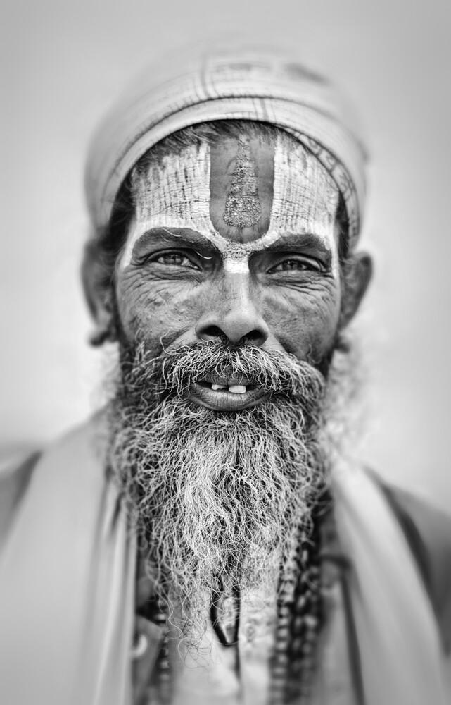 Sadhu in Nepal - fotokunst von Victoria Knobloch