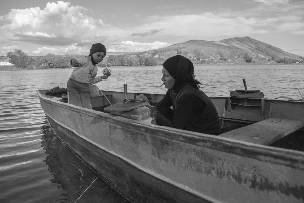 Fishing on the Danube - fotokunst von George Popescu