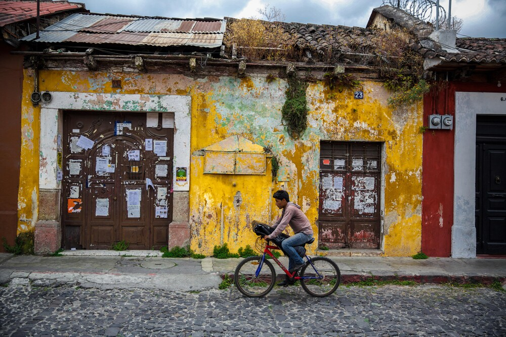 Antigua by bicycle - fotokunst von Miro May