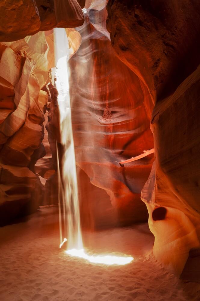 Sunbeam in Slot Canyon #02 - fotokunst von Michael Stein
