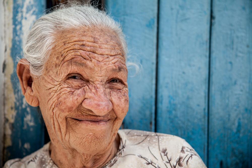 Steffen Rothammel Fotokunst - Die lachende Seniorin