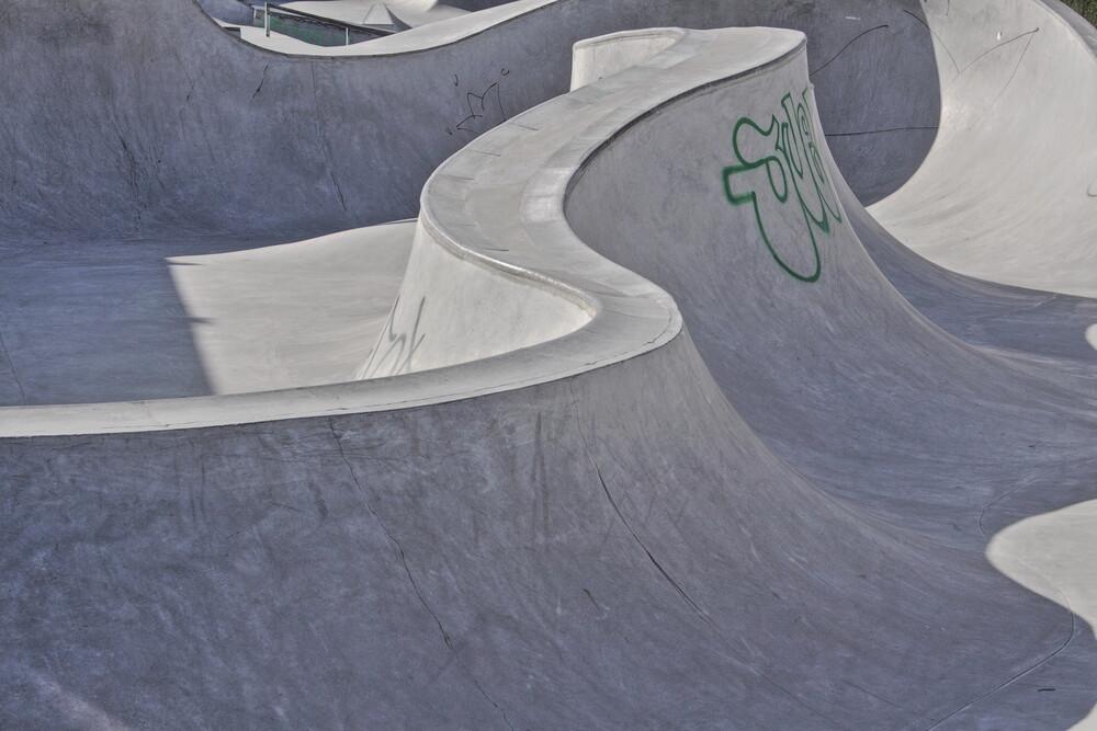 Concrete Waves 1 - fotokunst von Marc Heiligenstein
