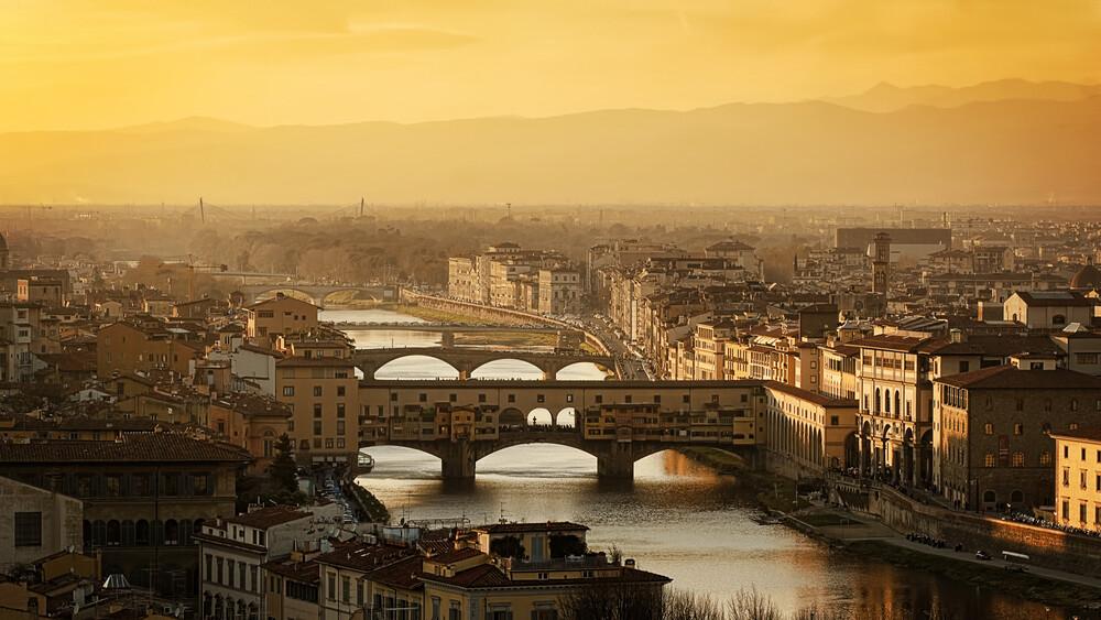 Ponte Vecchio at Sunset, Florence - fotokunst von Raphael Wildhaber