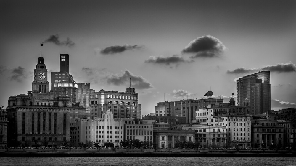 Light on the Bund - Fineart photography by Rob Smith