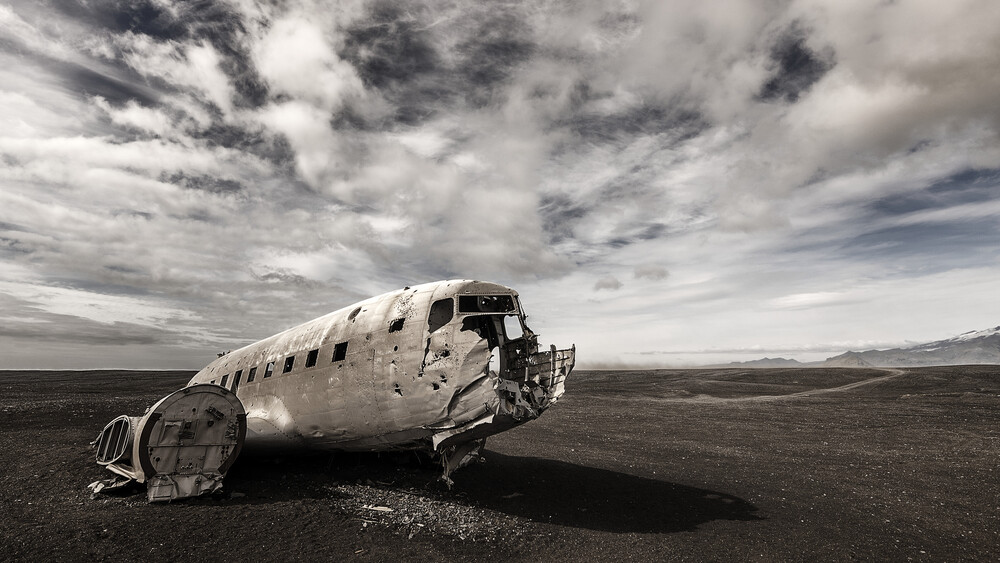 DC-3 - Fineart photography by Gabi Kuervers