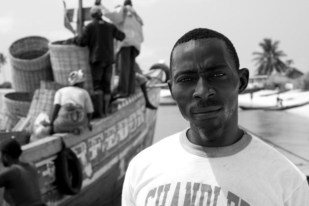Captain - fotokunst von Tom Sabbadini