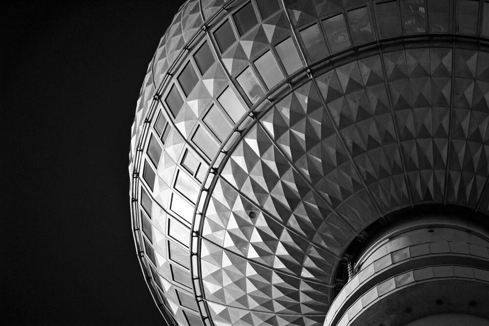 Fernsehturm Berlin - fotokunst von Gordon Gross
