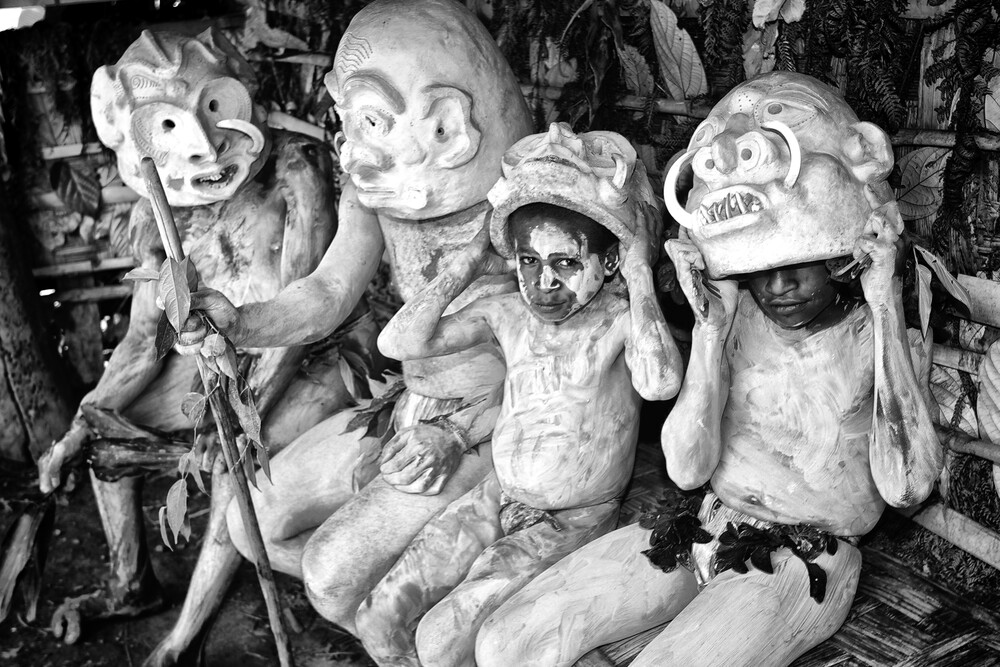 Asaro Mudmen - fotokunst von Ingetje Tadros