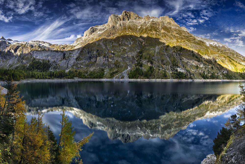 Lake de Tseuzier-C, Switzerland - fotokunst von Franzel Drepper