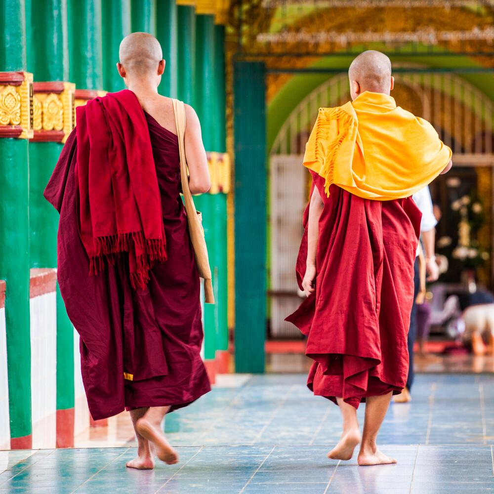 Myanmar - Buddhist - fotokunst von Davide Carnevale