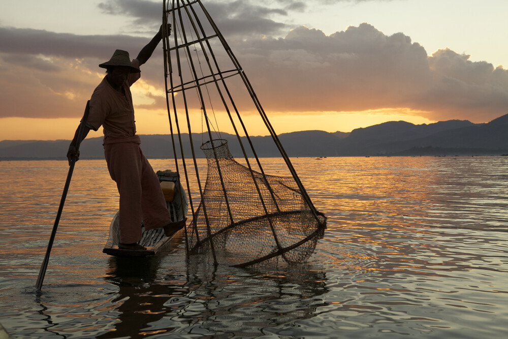 Fisher at Inle Lake - Fineart photography by Christina Feldt