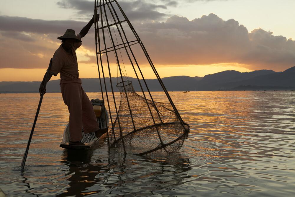 Fisher at Inle Lake - fotokunst von Christina Feldt