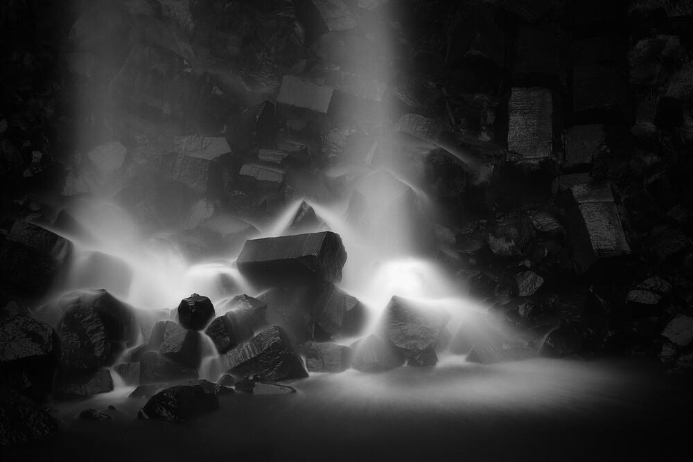 Svartifoss - fotokunst von Oliver Buchmann